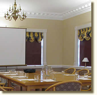 Large and well equiped conference rooms